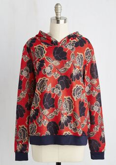 Anywhere you go in this red hoodie, chatter of your snuggly style is sure to follow! An excellent icebreaker with its soft textured fabric, navy and ivory floral print, and cozy ribbed trim, this pullover is a piece that will have everyone talking.
