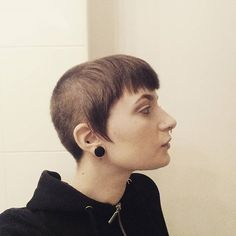 WEBSTA @ bearclawmohawk - Moon face. #shavedhead #chelseacut #chelsea #skinhead #buzzcut #shorthair