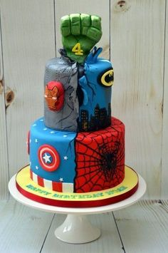 Marvel Superhero's cake Ummmm no that is not a marvel superhero cake that is a marvel and Batman cake people these days😒😒😒 Avengers Birthday Cakes, Superhero Birthday Cake, Birthday Cupcakes, Superhero Party, Batman Party, Super Hero Birthday, Boy Birthday Cakes, Party Cupcakes, Giant Cupcakes