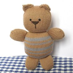 Pudding the Cat.....This knitted toy is easy to knit for newbie knitters. The knitting pattern by Amanda Berry is available from the fluff and fuzz Etsy store.