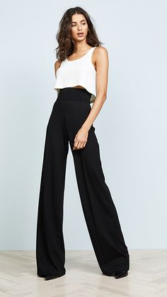Palazzo Pants Outfit For Work. 14 Budget Palazzo Pant Outfits for Work You Should Try. Palazzo pants for fall casual and boho print. Business Professional Attire, Business Outfits Women, Business Attire, Business Fashion, Business Formal, Business Casual, Look Fashion, Fashion Outfits, Womens Fashion