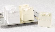 Ivory Scalloped Favor Boxes