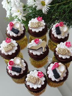Cupcakes decorados tema Fashion Moda