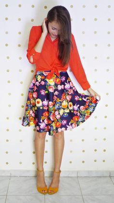 Saia / Skirt Estampada Dark floral Godê evasê camisa Shirt Top blouse Laranja Orange Mais Fotos / Pics http://www.byanak.com.br/2016/03/projeto-12-cores-laranja.html