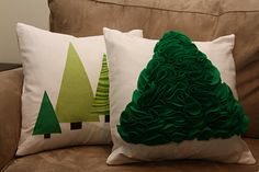 DIY Christmas pillows made from felt and fabric. These are awesome. I LOVE FELT!! They are just like the ones at Crate & Barrel. Follow link for how to