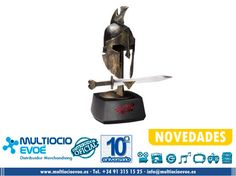 300 - CASCO + ESPADA - RISE OF AN EMPIRE COLLECTOR SET THEMISTOCLES 20CM Y 30CM EAN: 849241002424 Medidas Casco: 20cm aprox. Medidas Espada: 30cm aprox.