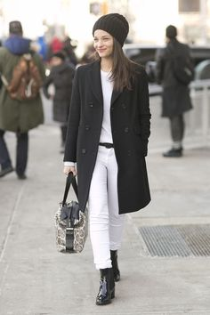 Maria Dueñas Jacobs's look was a lesson in keeping it simple.  Street Style at New York Fashion Week #NYFW