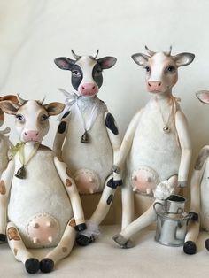 Clay Dolls, Art Dolls, Farm Fun, Fabric Animals, Cow Art, Ceramic Animals, Handmade Art, Pet Toys, Needle Felting