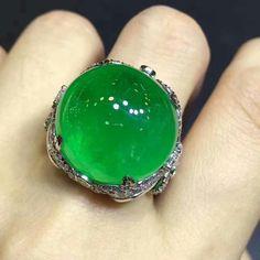 #emeraldrjade#luxuryjewelry #emeraldjewelry #highjewelry #emeraldboutiquehouse