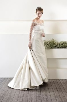 CieloBlu wedding dresses are full of harmony. The CieloBlu bridal collection is designed by two Italian wedding dresses designers. Italian Wedding Dresses, Wedding Dress Styles, Bridal Dresses, Wedding Gowns, Types Of Dresses, Traditional Dresses, One Shoulder Wedding Dress, White Dress, Bride