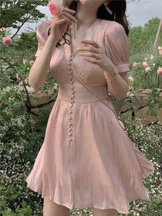 which kibbe type would this dress look best on? : Kibbe Teen Fashion Outfits, Cute Fashion, Look Fashion, Fashion Dresses, 70s Fashion, Modest Fashion, Spring Fashion, Winter Fashion, Fashion Tips