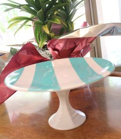 DIY cake stand. This is great, I always want these for different occasions!