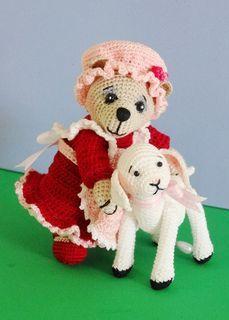 Little Bear Peep and Lamb Amigurumi - FREE Crochet Pattern and Tutorial by Sue Pendleton