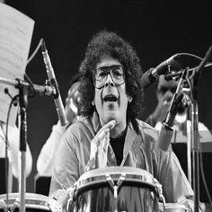 """17 de Febrero del 2006: Muere Raymond Barretto Pagán """"Ray Barretto"""", """" Manos Duras"""", en Nueva Jersey, USA. (77 Años). Percusionista, Arreglista, Compositor, Productor, Director musical e interprete de jazz latino. A finales de los 50 entró a formar parte de la """"banda de Tito Puente"""", en sustitución de Mongo Santamaría durante cuatro años."""