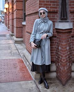 The Most Stylish Hijab Street Style Looks You Can Copy Stylish Hijab, Casual Hijab Outfit, Stylish Hats, Casual Curvy Fashion, Winter Fashion Casual, Winter Chic, Winter Style, Street Hijab Fashion, Muslim Fashion