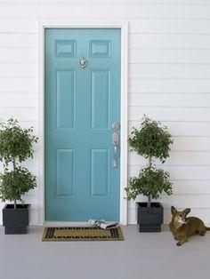 Beautiful turquoise front door.