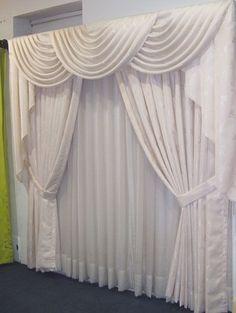 simple home decor Living Room Decor Curtains, Home Curtains, Living Room Windows, Home Living Room, Window Curtains, Bedroom Decor, Curtain Styles, Curtain Designs, Rideaux Design