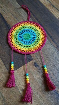 New Crochet Mandala Mini Dream Catchers Ideas Motif Mandala Crochet, Crochet Art, Crochet Home, Crochet Gifts, Crochet Flowers, Crochet Stitches, Crochet Patterns, Tapete Crochet, Dream Catcher Mandala