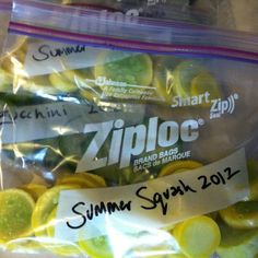 How to Blanch and Freeze Summer Squash and Zucchini | Farm Flavor - looks like this will be my project for the weekend