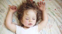Dicas para fazer o seu filho dormir tranquilo a noite toda – Mães Não Dormem