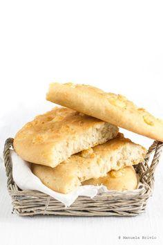 Pane con rosmarino e formaggio di capra