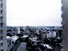 https://flic.kr/p/KLhfYx | Porto Alegre fora de foco | Os prédios emolduram a cidade.  Porto Alegre out of focus The buildings make the frame for the city.