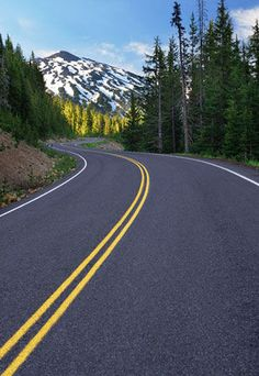 Curving road leading to Mount Bachelor ski area near Bend, Oregon // Ralph William Alamy Places To Travel, Places To See, Roads And Streets, Winding Road, Road Trip Hacks, Oregon Travel, Oregon Coast, Travel Images, Australia Travel