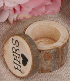 Ringdosenset Hers & Hers Shabby Chic Stil, Place Cards, Gay, Place Card Holders, Wedding, Celebration, Rustic, Simple, Casamento