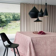 """""""Palazzo"""" Table cloth by Leitner Leinen · www.labella-amara.com Palazzo, Frankfurt, Linen Bedding, Dining Chairs, Dreams, Furniture, Home Decor, Homes, Linen Sheets"""