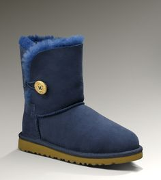 #xmas #gifts #ugg Bailey Button Uggs