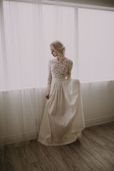 This amazing wedding photoshoot with Kelsie Emm Photography and Hair and Makeup by Steph is on my blog! This moody indoor shoot is a favorite bridal session of mine. I love the bridal hair and makeup and the classic wedding dress I got to wear.