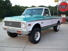 Vintage Trucks Classic 1972 Chevy BB are on the hunt for one! Chevy Pickup Trucks, Classic Chevy Trucks, Gm Trucks, Chevrolet Trucks, Lifted Trucks, Cool Trucks, Dually Trucks, Classic Cars, Lowered Trucks