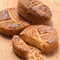 ざくざく食感と粉の味わいを楽しむなら「国産薄力粉クーヘン」で作ったガレット・ブルトンヌがおすすめ!ラムの香りとアクセントの塩も加えて極上ガレットを目指しましょう。