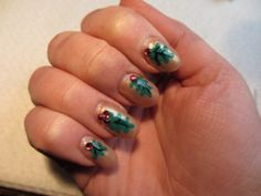 12 Days of Christmas, dag 5 Hulstblaadjes Nail Art. | Manons nail creations