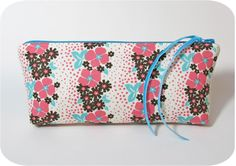 Sew a zip pouch without dented corners