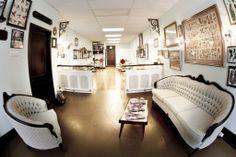 Home Bodkin Tattoo Montréal Waiting Room Decor, Tattoo Shop Decor, Tattoo Studio Interior, Private Tattoos, Tattoo Salon, Classy Tattoos, Shop Interior Design, Interior Ideas, Tattoo Parlors