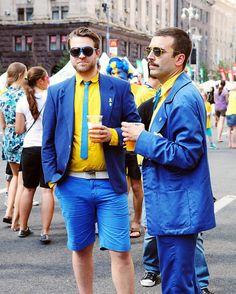 EURO 2012 Poland - Ukraine : Swedish fans camp before France - Sweden match — Фанзона шведских фанатов перед матчем Франция - Шаеция #soccer #football #game #euro #europe #fan #fans #euro2012 #ukraine #poland #match #game #smile #smiling #Khreshchatyk #ca