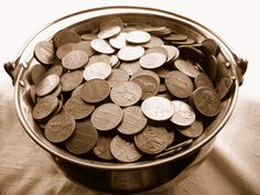 Pennys in a cooper pot background by Ruben Reyes, via Flickr