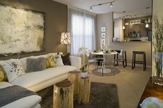 The Chromologist / Using Bold Colours with Complementary Neutrals in a Living Room - The Chromologist