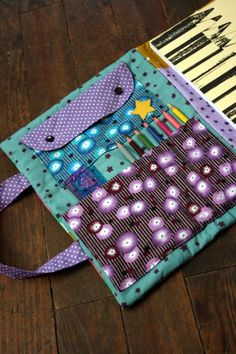 Artists bag tutorial (but in French) Link works on this one, might need the kids to translate!