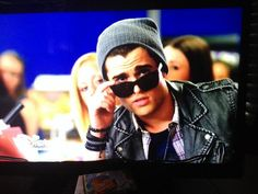 """""""Inside yes 😂RT was it hard to see with sunglasses on Lab Rats Disney, Spencer Boldman, Handsome Guys, Zendaya, Disney Channel, Embedded Image Permalink, Mens Sunglasses, Fashion, Pretty Boys"""