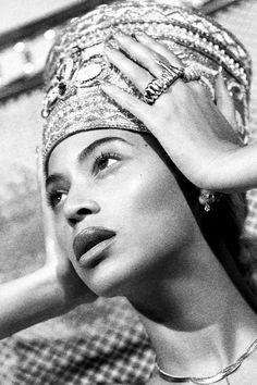Check out Beyonce @ Iomoio Estilo Beyonce, Beyonce Style, Beyonce Body, Beyonce Knowles Carter, Beyonce And Jay Z, Divas, Beyonce Coachella, Mrs Carter, Doja Cat