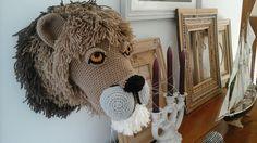 Lion au crochet.....modèle de vanessa mooncie réalisé par isadule daril