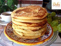 Ecco i PANCAKES SENZA BURRO, le golose frittelle americane! I #pancakes #senzaburro sono facili e veloci da preparare e risulteranno soffici e golosi! Perfetti da farcire a seconda dei propri gusti con sciroppo d'acero, miele, crema di nocciola, confettura o frutta fresca per colazioni e merende golose e leggere! Ecco la #ricetta del #dolce http://www.dolcisenzaburro.it/uncategorized/pancakes-senza-burro/ #dolcisenzaburro