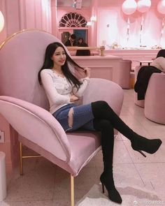 Thigh High Boots Heels, Knee Boots, Sexy Women, Women Wear, Beautiful Heels, China Girl, Hot Heels, Girl Fashion, Womens Fashion