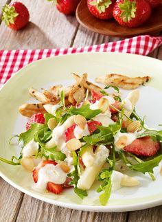 Erdbeer-Salat mit Spargel -  Ein vegetarischer Salat mit Erdbeeren und Spargel zum Grillfest