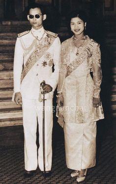 คู่ขวัญแห่งแผ่นดิน King Phumipol, King Rama 9, King Of Kings, King Queen, Thailand Monarchy, King Thai, Thai Princess, Queen Sirikit, Bhumibol Adulyadej