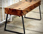 #kruk #simpel #eenvoud #stijlvol  #hout #staal  Robuuste kruk van gebruikt hout met stalen poten. Het kern van het hout is goed zichtbaar.