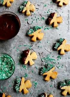 These Baileys Irish Cream Cookies are a must-make on St. Patrick's Day.