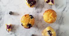 Áfonyás-fehércsokis muffin Kari, Muffin, Cake Cookies, Sweets, Breakfast, Food, Morning Coffee, Gummi Candy, Candy